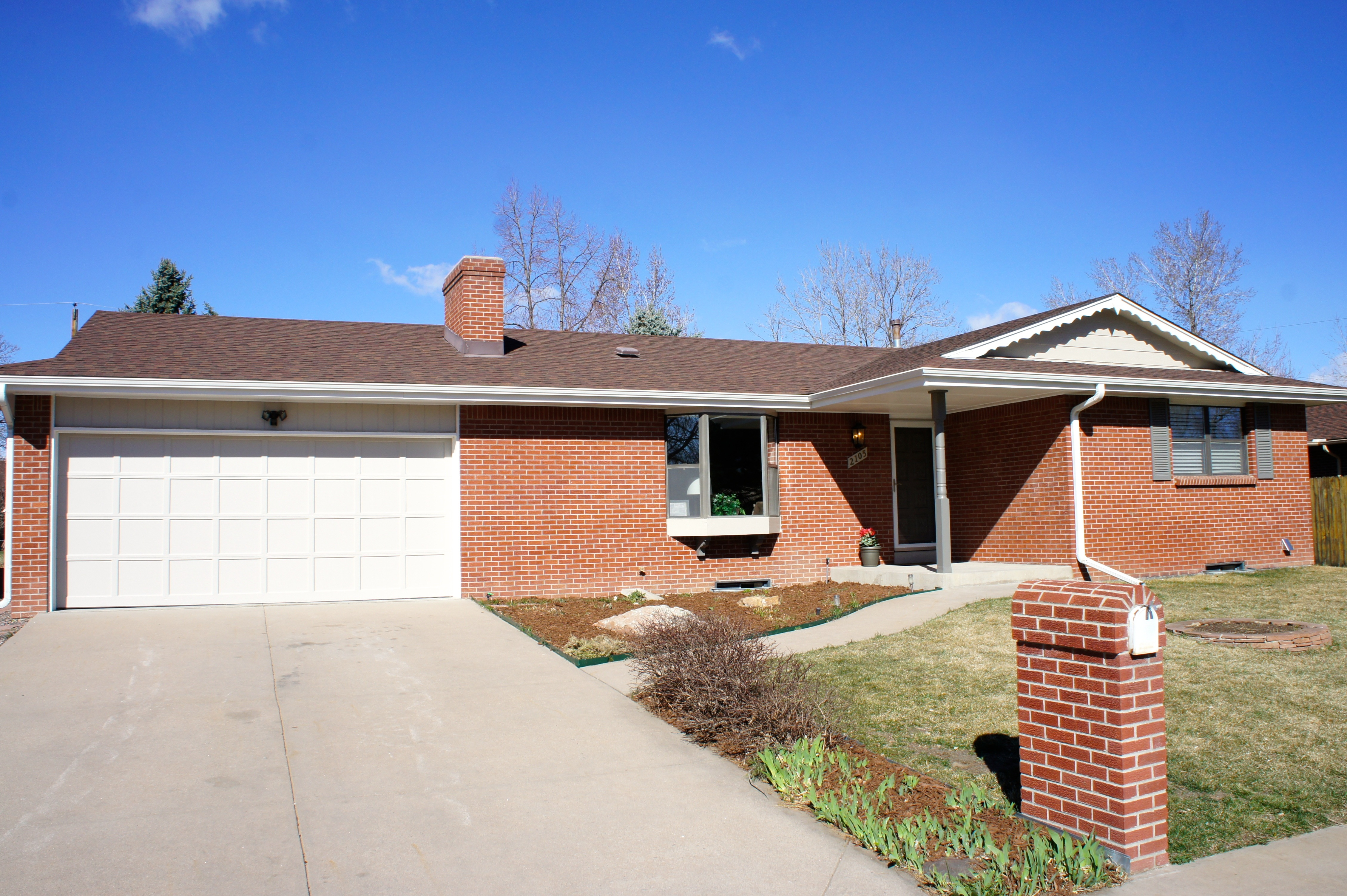 Timeless classic in premier area seven6 real estate for Classic homes real estate